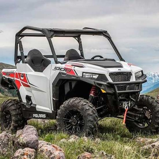 motovezdehod-polaris-general-1000-eps-white-lightning.jpg